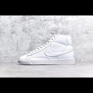 Nike Blazer Mid Retro OG